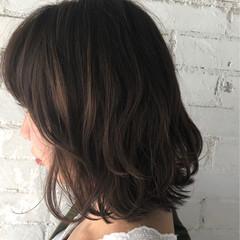外ハネ ロブ 秋 ウェーブ ヘアスタイルや髪型の写真・画像