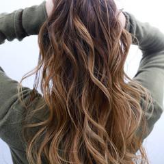 ストリート ヘアアレンジ バレイヤージュ ロング ヘアスタイルや髪型の写真・画像
