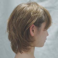 ショート パーマ グレージュ デート ヘアスタイルや髪型の写真・画像