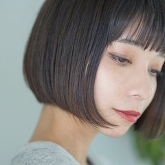 小顔ショート 前髪パッツン ナチュラル ミニボブ ヘアスタイルや髪型の写真・画像