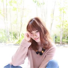 ミディアム フェミニン 秋 ガーリー ヘアスタイルや髪型の写真・画像