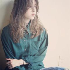 ロング ナチュラル ハイライト ウェットヘア ヘアスタイルや髪型の写真・画像