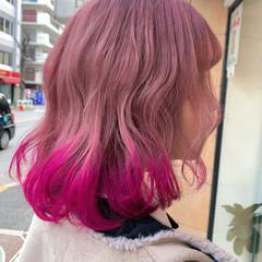 チェリーピンク ラズベリーピンク ミディアム ベリーピンク ヘアスタイルや髪型の写真・画像