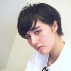 外国人風 暗髪 ストリート 耳かけ ヘアスタイルや髪型の写真・画像