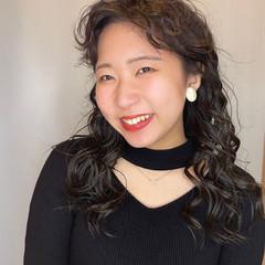 前髪パーマ パーマ ナチュラル スパイラルパーマ ヘアスタイルや髪型の写真・画像