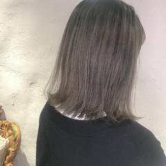 インナーブルー ミディアム ブルーラベンダー ストリート ヘアスタイルや髪型の写真・画像