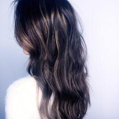 大人かわいい アッシュ グラデーションカラー パーマ ヘアスタイルや髪型の写真・画像