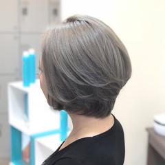 ショート エレガント 上品 アッシュグレージュ ヘアスタイルや髪型の写真・画像