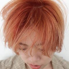 ショート ナチュラル アプリコットオレンジ オレンジブラウン ヘアスタイルや髪型の写真・画像
