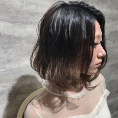 ガーリー ボブ イルミナカラー ヘアスタイルや髪型の写真・画像