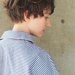 ウェーブ ハイライト アンニュイ モード ヘアスタイルや髪型の写真・画像