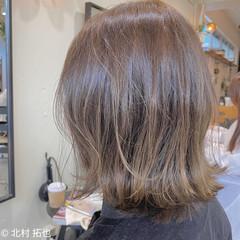 レイヤーボブ 透明感カラー ナチュラル 切りっぱなしボブ ヘアスタイルや髪型の写真・画像