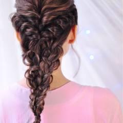 編み込み 愛され アップスタイル ヘアアレンジ ヘアスタイルや髪型の写真・画像