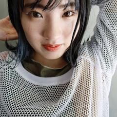 切りっぱなしボブ インナーブルー インナーカラー ミニボブ ヘアスタイルや髪型の写真・画像