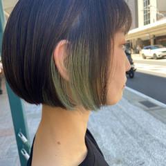 ミニボブ ブリーチカラー 切りっぱなしボブ インナーカラー ヘアスタイルや髪型の写真・画像