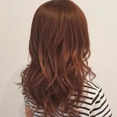 セミロング 大人かわいい ピンク 上品 ヘアスタイルや髪型の写真・画像