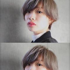 外国人風 モード レイヤーカット アッシュ ヘアスタイルや髪型の写真・画像