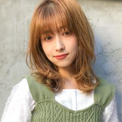 ひし形シルエット ナチュラル デジタルパーマ ミディアム ヘアスタイルや髪型の写真・画像