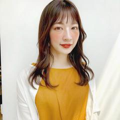 ミディアムレイヤー フェミニン ミディアムヘアー 鎖骨ミディアム ヘアスタイルや髪型の写真・画像