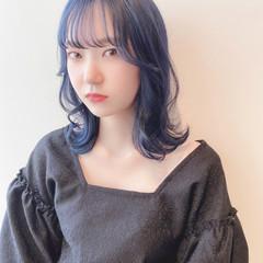 ネイビーブルー インナーカラー ナチュラル ブルージュ ヘアスタイルや髪型の写真・画像