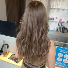 ベージュ フェミニン ロング ミルクティーベージュ ヘアスタイルや髪型の写真・画像