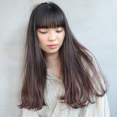 切りっぱなし ロング ブラントカット 透明感 ヘアスタイルや髪型の写真・画像