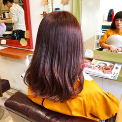 レッド ガーリー ピンク オン眉 ヘアスタイルや髪型の写真・画像