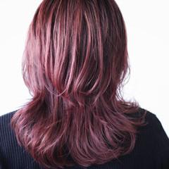 ピンクアッシュ セミロング ピンクバイオレット ラベンダーピンク ヘアスタイルや髪型の写真・画像