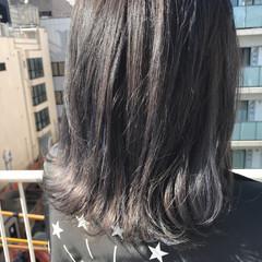 アッシュ ストリート 外ハネ アッシュグレー ヘアスタイルや髪型の写真・画像