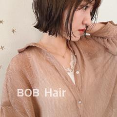 切りっぱなしボブ ショートヘア ショートボブ ナチュラル ヘアスタイルや髪型の写真・画像
