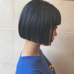 ストリート ボブ ダブルカラー ネイビー ヘアスタイルや髪型の写真・画像