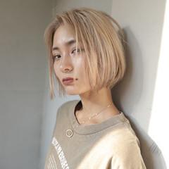 ブリーチ ハイトーン ボブ モード ヘアスタイルや髪型の写真・画像