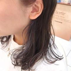 インナーカラー 切りっぱなしボブ ナチュラル グラデーションカラー ヘアスタイルや髪型の写真・画像