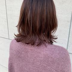 ミディアムヘアー ハイライト ナチュラル 外ハネ ヘアスタイルや髪型の写真・画像