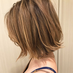 デート ハイライト パーマ ナチュラル ヘアスタイルや髪型の写真・画像
