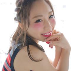 簡単ヘアアレンジ ハーフアップ フェミニン セミロング ヘアスタイルや髪型の写真・画像
