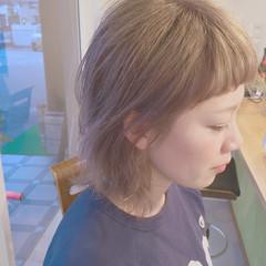外ハネ 外国人風 ショート グレージュ ヘアスタイルや髪型の写真・画像