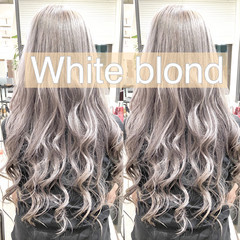 ホワイトグレージュ ガーリー ホワイトシルバー ホワイトアッシュ ヘアスタイルや髪型の写真・画像