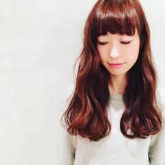 フェミニン 前髪あり ゆるふわ パーマ ヘアスタイルや髪型の写真・画像