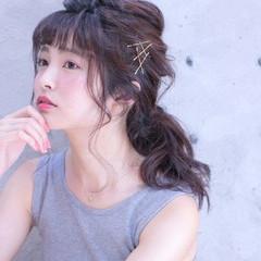 簡単ヘアアレンジ セミロング ヘアアクセ ヘアアレンジ ヘアスタイルや髪型の写真・画像