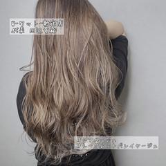 ロング アンニュイほつれヘア ハイライト ナチュラル ヘアスタイルや髪型の写真・画像