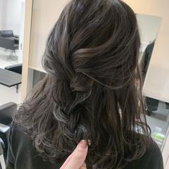 アンニュイほつれヘア ナチュラル 簡単ヘアアレンジ ヘアアレンジ ヘアスタイルや髪型の写真・画像