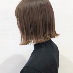 カーキ グレージュ ベージュ ボブ ヘアスタイルや髪型の写真・画像