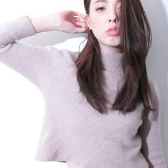 アッシュ 外国人風 ロング 大人かわいい ヘアスタイルや髪型の写真・画像