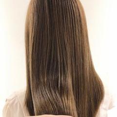 イルミナカラー 透明感カラー ロング 髪質改善トリートメント ヘアスタイルや髪型の写真・画像