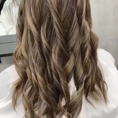 極細ハイライト ミルクティーアッシュ ロング ガーリー ヘアスタイルや髪型の写真・画像