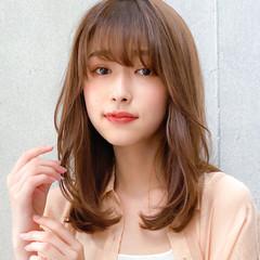 ミディアム デジタルパーマ コンサバ 鎖骨ミディアム ヘアスタイルや髪型の写真・画像