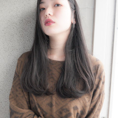 大人かわいい 透明感 ウェットヘア 暗髪 ヘアスタイルや髪型の写真・画像