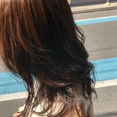 グレージュ ヘアカラー ナチュラル レイヤーカット ヘアスタイルや髪型の写真・画像