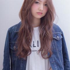 アッシュ 外国人風 グラデーションカラー ナチュラル ヘアスタイルや髪型の写真・画像
